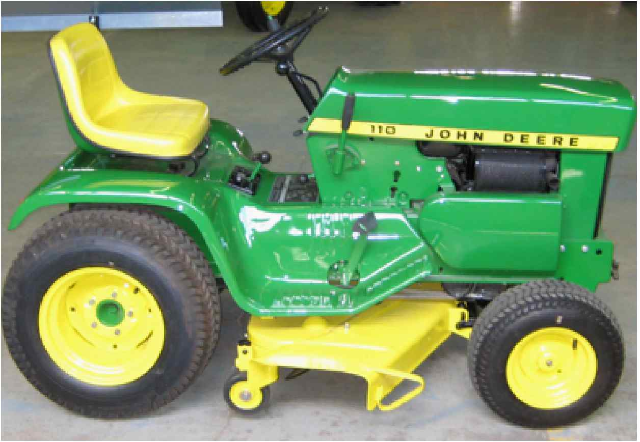 """1974 John Deere """"110"""" Garden Tractor"""